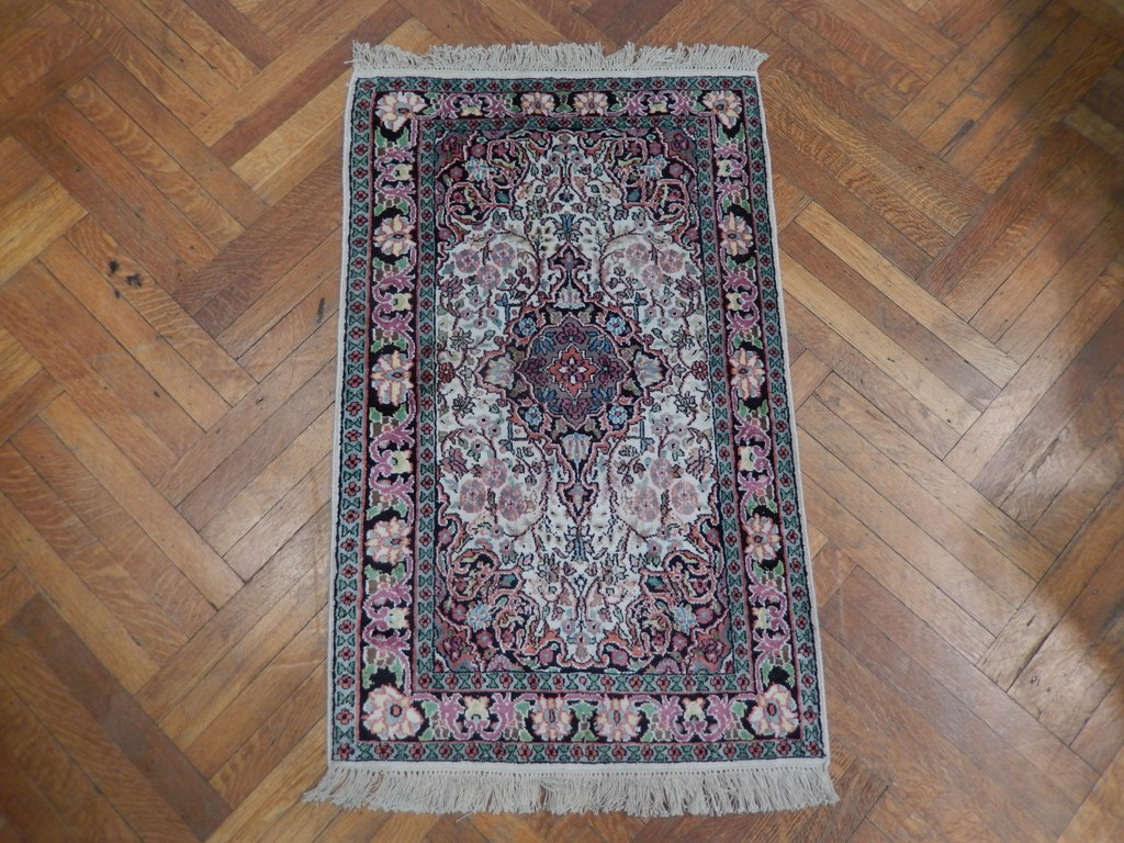 Ivory purple accent hand knotted 3x4 kashmir silk rug ebay for Rugs with purple accents