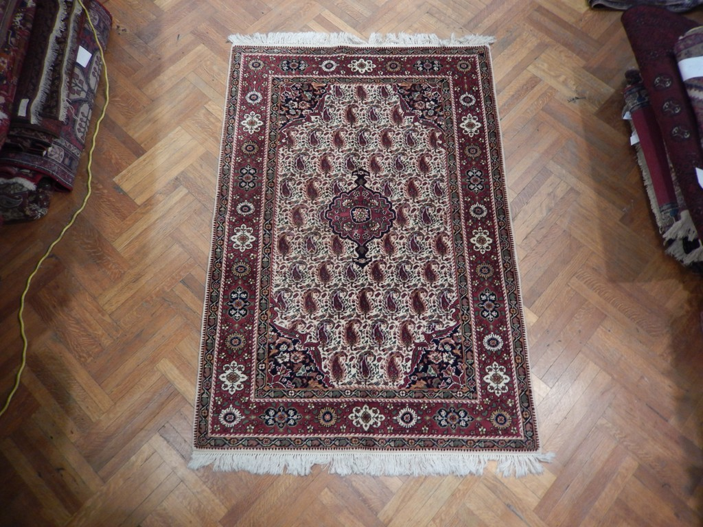 Persian Delightful Hand Knotted Tabriz Carpet 5x7 Paisley