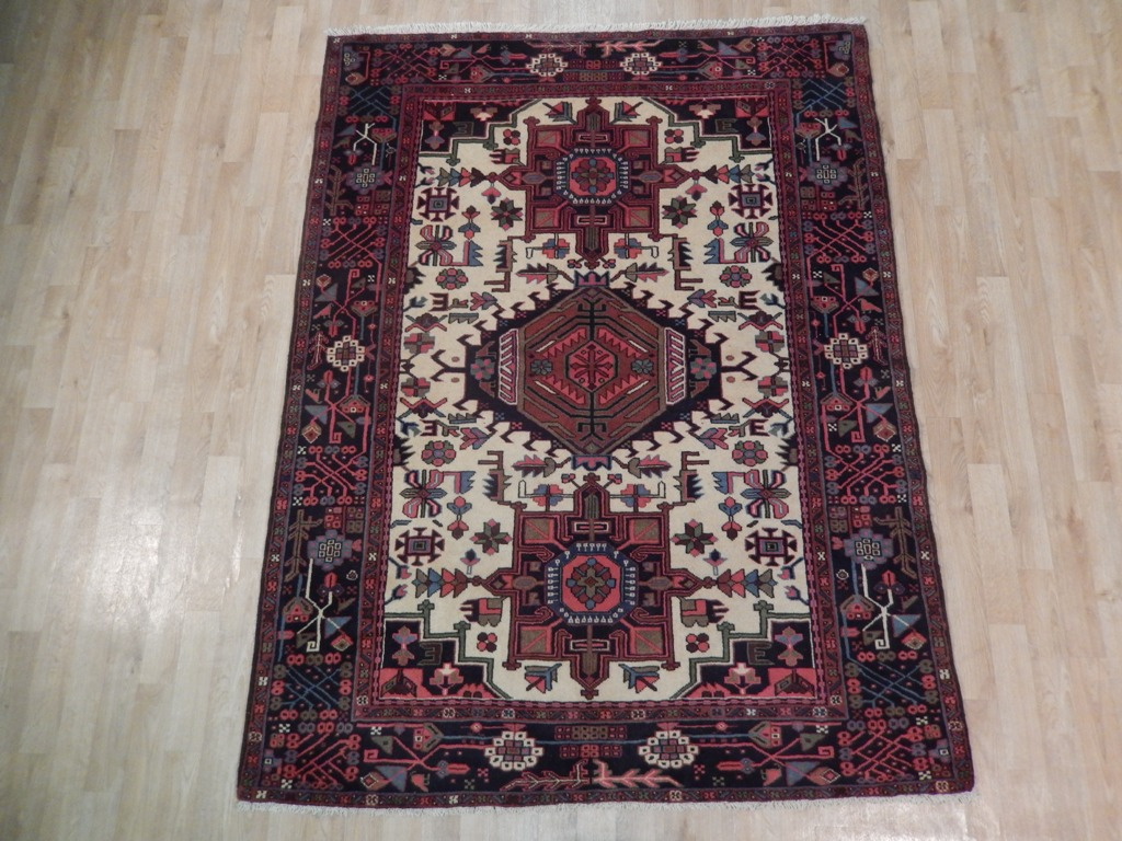 Perfect home decor hand knotted beige 5x7 persian heriz for International home decor rugs
